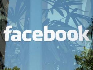 Huella digital - Facebook niega que esté espiando los SMS de sus usuarios móviles