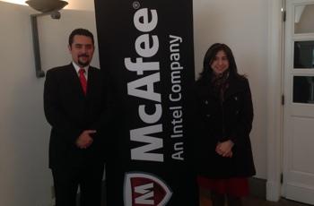Foto: Ejecutivos de McAffee en conferencia de prensa / b:Secure